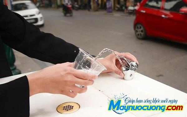 Vòi uống nước công cộng